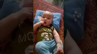 Em bé hài hước nhất của năm