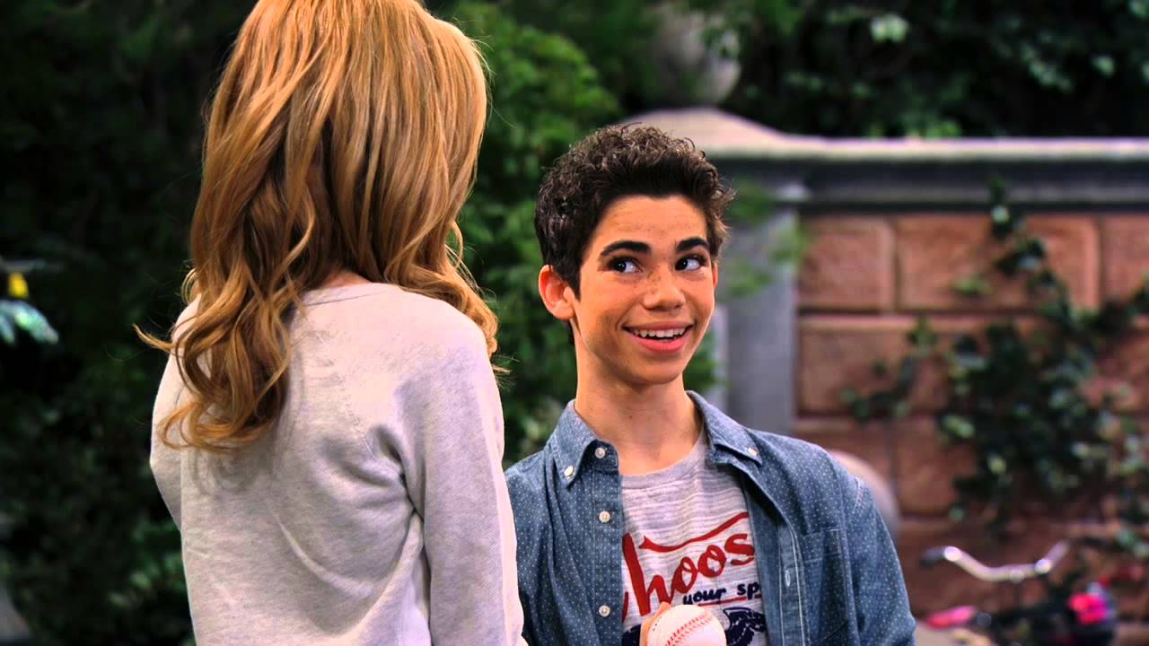 Sierra McCormick  amp G Hannelius  G Hannelius And Cameron Boyce Kiss