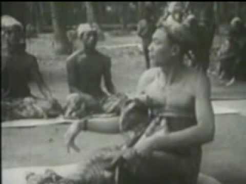 Bali: Opera Arja. Covarrubias 1932.