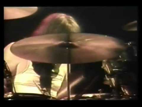 Led Zeppelin - Out On The Tiles