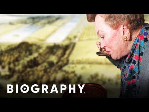 Julia Child Mastering the Art