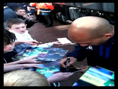Tim howard signing for Premiership.Memorabilia
