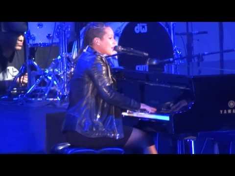 Iggy Azalea, J.Lo, Pharrell, & Ariana Grande Perform at 'We Can Survive' Concert