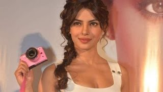Priyanka Chopra Launches 'Nikon 1' Camera