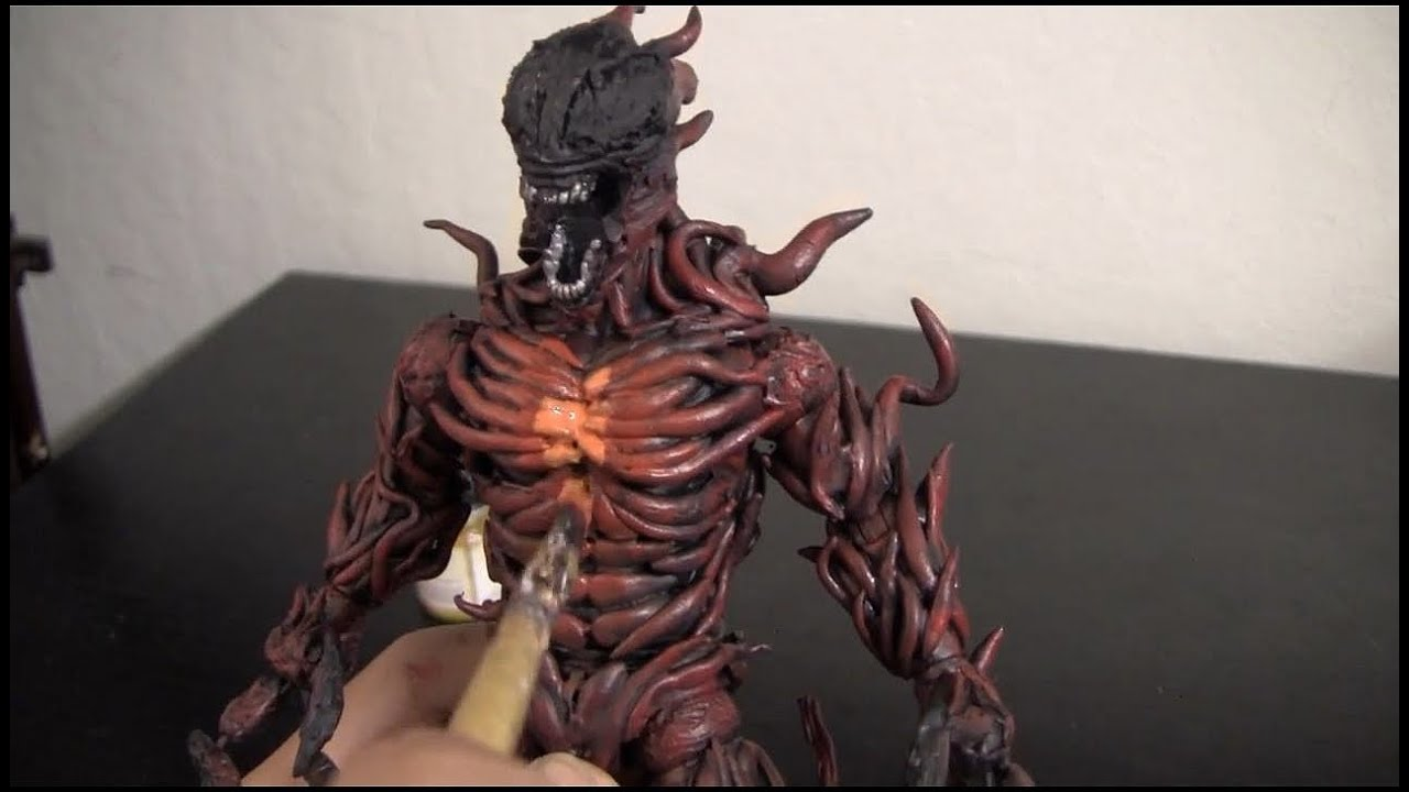 Carnage Ultimate - Behind  Ultimate Carnage Toy