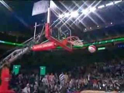 Nate Robinson in 2006 Dunk Contest Video