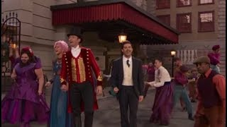 'The Greatest Showman' Wows Us All With Epic Live Televised Performance