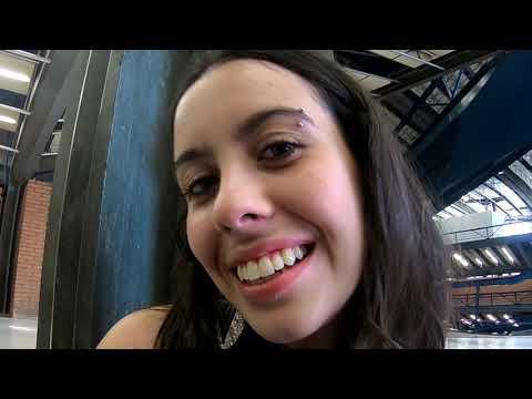 ASMR em garotas desconhecidas Vídeos de zueiras e brincadeiras: zuera, video clips, brincadeiras, pegadinhas, lançamentos, vídeos, sustos