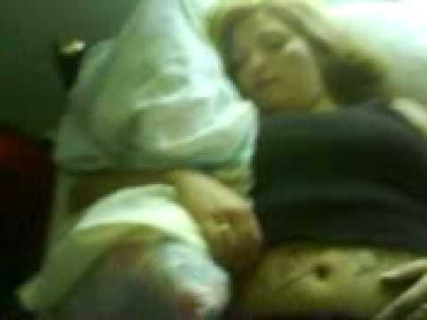 La gorda durmiendo no sabia que la estaban filmando