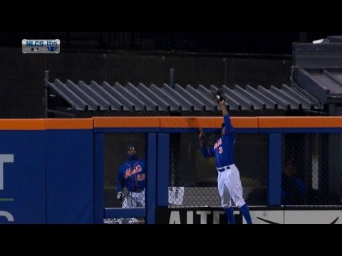 Granderson robs Coghlan with leaping catch