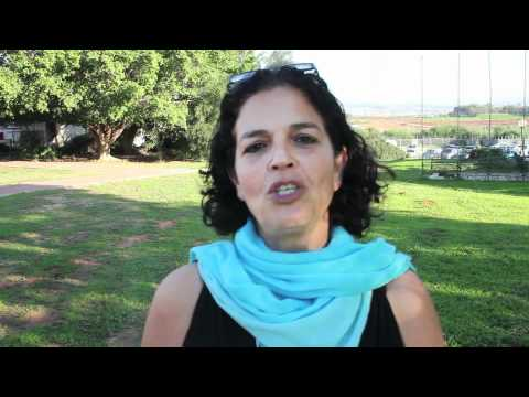 What is Laughter Yoga ( Hebrew)