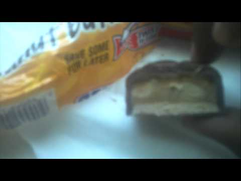 Snickers Peanut Butter Square (unwrapping)