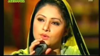 Pakistani Punjabi Singer singing in Lahore - Punjabi Muslim