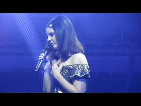 Lana Del Rey - Get Free @ United Center in Chicago 1/12/2018