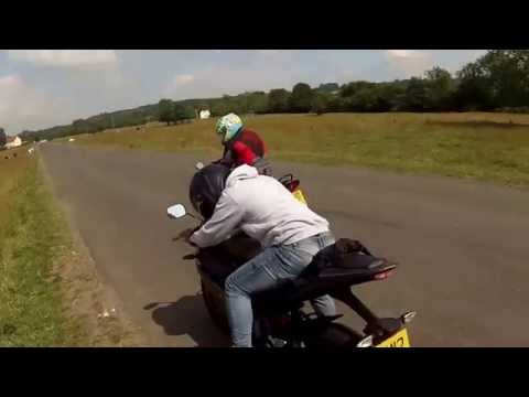 APRILIA RS4 125 vs YAMAHA YZF R -125 drag race we swap bikes