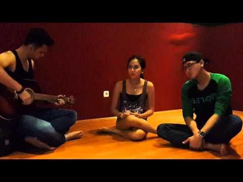 Butiran Debu - Rumor (duo Arka Feat Nina Zatulini) video