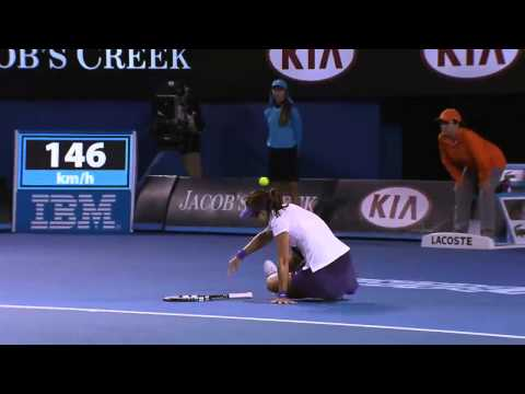 Li Na Injury Scare No.1 - Australian Open 2013