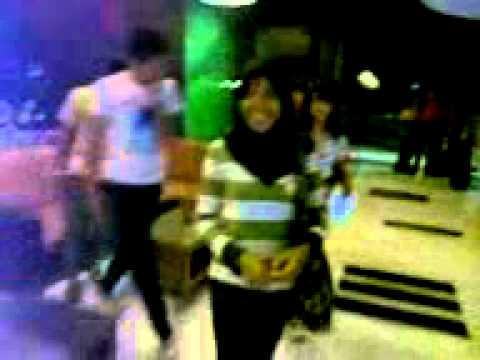 Erni N Friends.3gp video