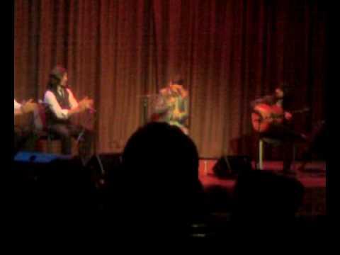 Miguel Poveda por alegrias con Juan Chicuelo a la guitarra