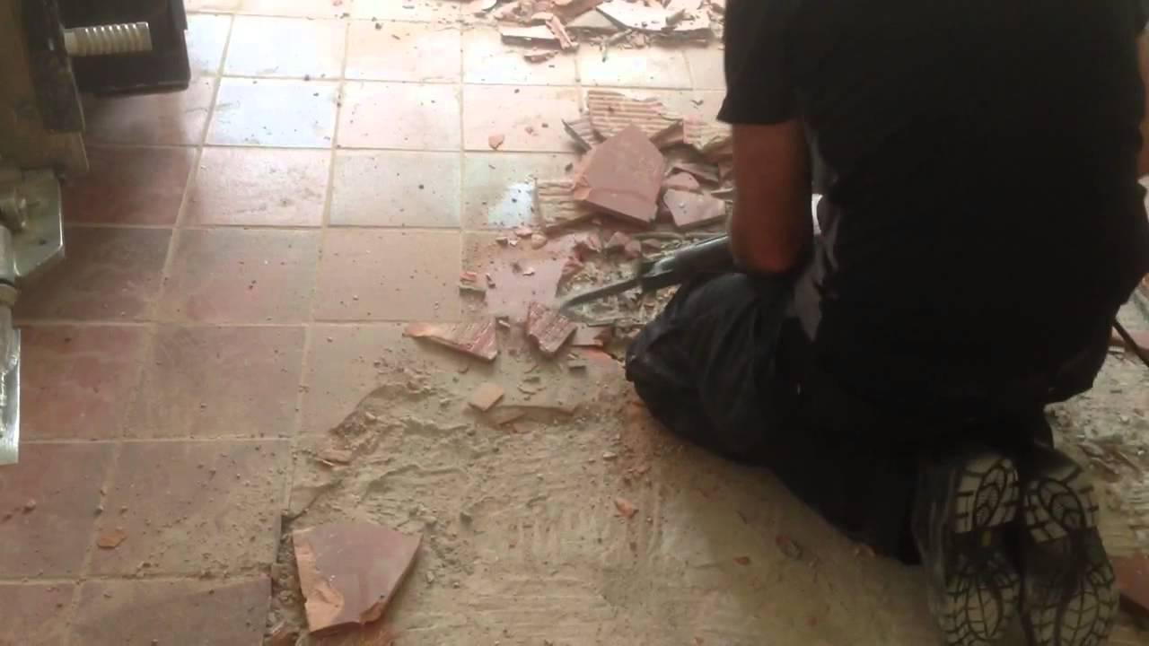 VloerSterk : Oude tegelvloer verwijderen met kangoo boormachine ...