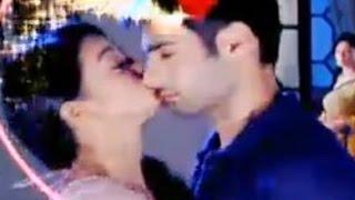 Swaragini Romantic Scenes - Swara And Sanskar Love Scenes
