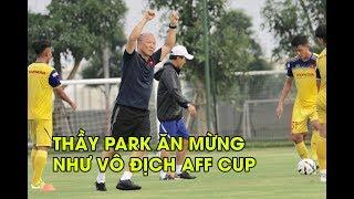 Thầy Park ăn mừng như Đội tuyển Việt Nam vô địch AFF Cup sau khi xỏ háng Trần Danh Trung