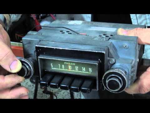 Antigua radio Philco Ford funcionando