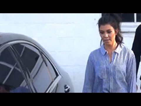 Kourtney Kardashian Looking Thin At The Studio