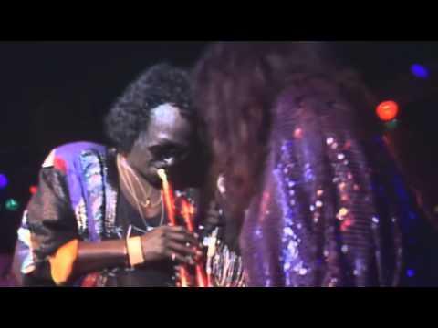 Miles Davis & Chaka Khan: Human Nature (live in Montreux 1989)