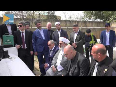 Шейх посетил могилы сподвижников в Дербенте