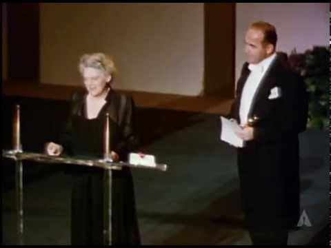 Judy Holliday winning Best Actress for