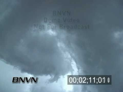 5/8/2004 Severe Storm Footage and rapid rotation under a wall cloud