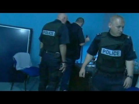 Kosovo police swoop on radical Islamists