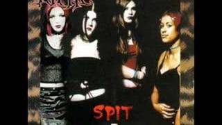 Watch Kittie Suck video