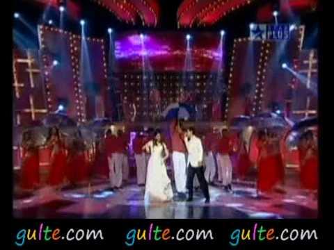 Gulte.com - Aamir Khan And Kareena Kapoor Dance On Stage