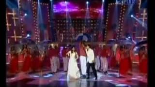 Download video Gulte.com - Aamir Khan And Kareena Kapoor Dance On Stage