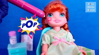 Anna Gets a Bump - Anna and Elsa Toddlers School Field Trip - Toy Doctor