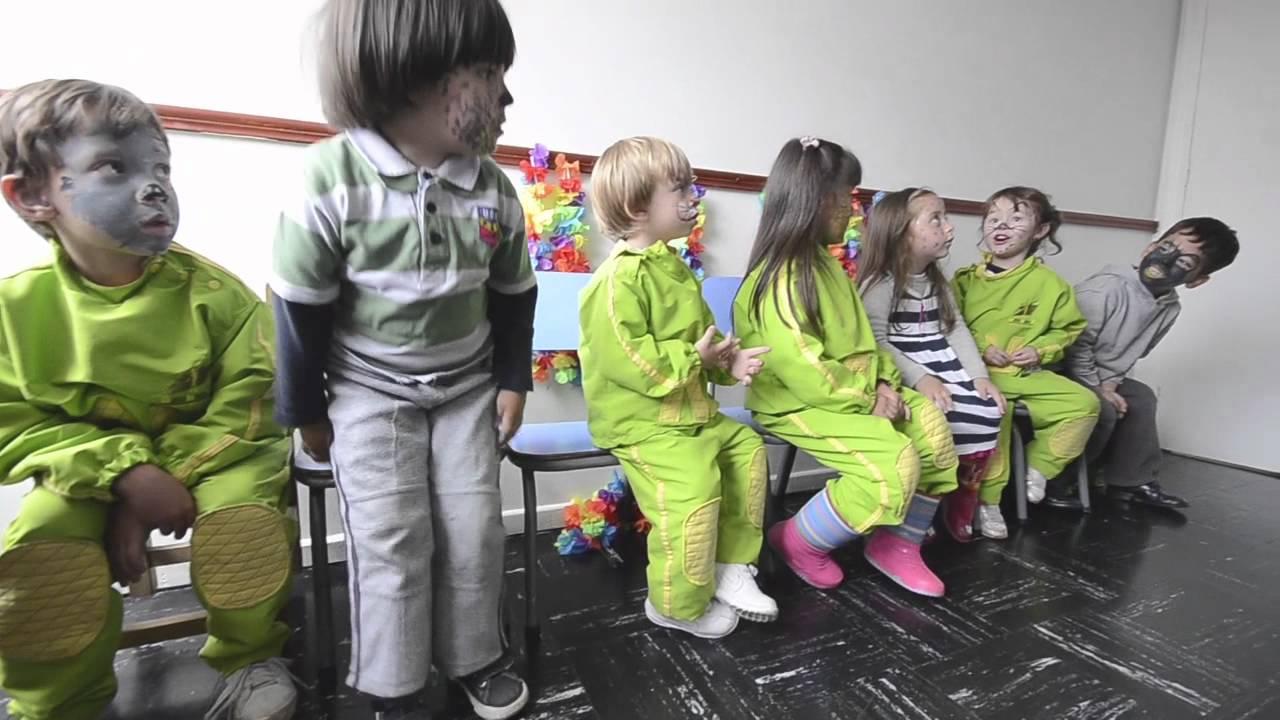 Bauhaus jardin infantil juego dramatico youtube for Jardin infantil
