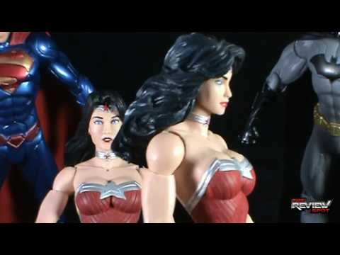 Toy Spot - Dc collectibles Trinity War  Superman, Wonder Woman and Batman 3 pack