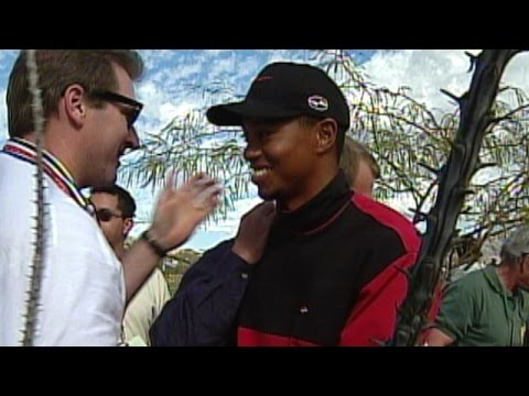 Fans come to Tiger Woods' rescue at 1999 Phoenix Open