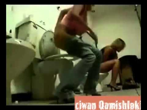 Hidden Camera In Women's Toilet,,versteckte Kamera video