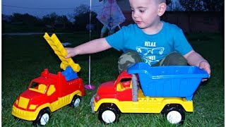 Outside Playground Fun Day - Construction Trucks For Kids, Balloons, Kite - Fun Video for Children