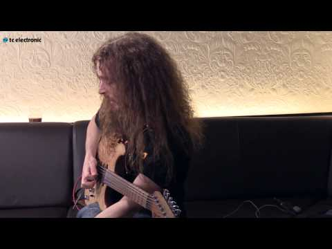 Guthrie Govan Demos His dotted Eighths Toneprint For The Flashback Delay Pedal video