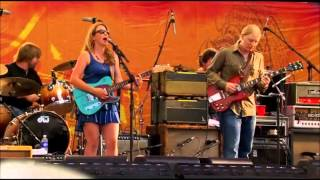 Watch Tedeschi Trucks Band Midnight In Harlem video