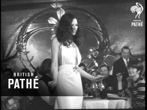 Liz Taylor Fashions Aka The Burtons Enter Fashion World (1968)