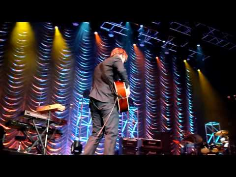 Joe Bonamassa accoustic( mistake,bum note!)