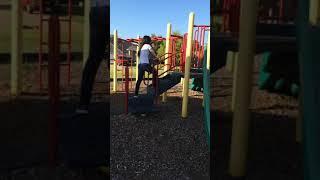 Peter slides down with Yen/ Peter chơi cầu tuột với cô Yến