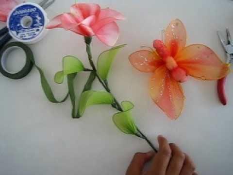 Como hacer flores con alambre y medias