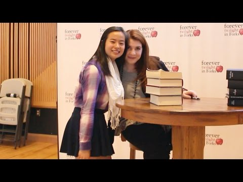 MEETING STEPHENIE MEYER | LovingDemBooks