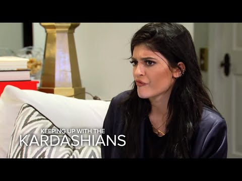Does Kylie Jenner Know How to Do Laundry? | Keeping Up With The Kardashians | E!